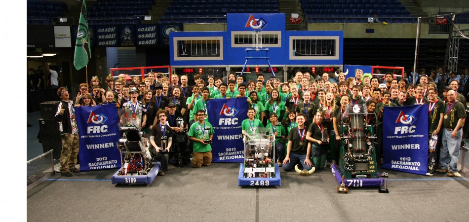 #greenallianceTeam 2489 (captain) and alliance partners Team 701 and 3189 won the Sacramento Regional! Going to Worlds!! 03/23/2013